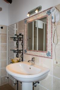 A bathroom at Agriturismo Poggio Delle Conche