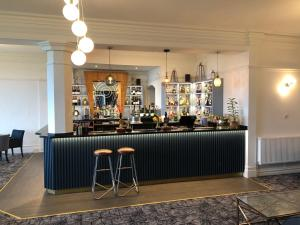 The lounge or bar area at Best Western Hotel Bristol