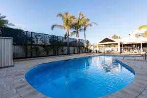 The swimming pool at or near Sails Geraldton Accommodation