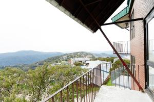 A balcony or terrace at Beehive 14