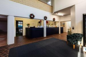 The lobby or reception area at Sails Geraldton Accommodation