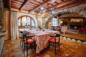 Un restaurante o sitio para comer en Can Vila