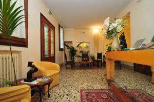 The lobby or reception area at Locanda Sant'Anna Hotel
