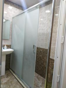 Um banheiro em Nizami Street