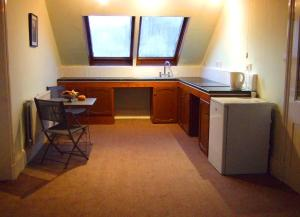 A kitchen or kitchenette at Walton House