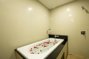 Ein Badezimmer in der Unterkunft Gu Hotel