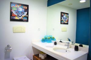 A bathroom at Midtown Apartment