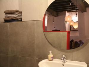 A bathroom at De Pelsertoren