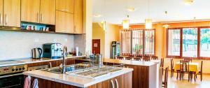 Кухня или кухненски бокс в Guest House Panorama 3D