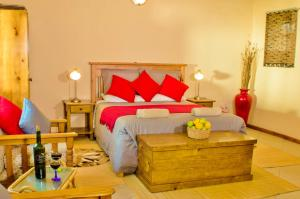 A bed or beds in a room at Rosedale Organic Farm Bed & Breakfast