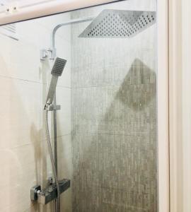 A bathroom at Chambre Love Luxe Monaco