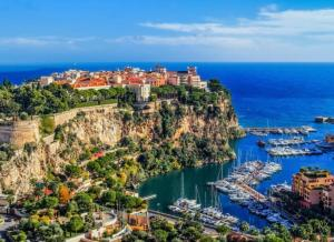 A bird's-eye view of Chambre Love Luxe Monaco