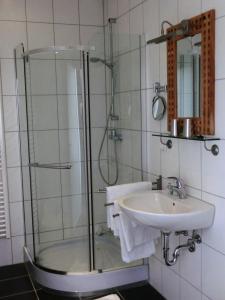 A bathroom at Raffelberger Hof