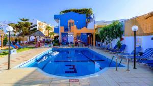 The swimming pool at or close to Eltina Apartments