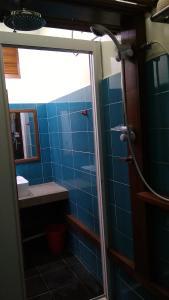 Un baño de Naura Roomstay