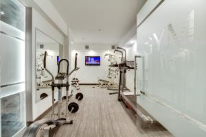 The fitness center and/or fitness facilities at Hotel Port-Royal