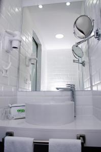 A bathroom at Hotel Ereza Mar