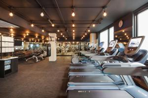 The fitness center and/or fitness facilities at Hotel EMC2, Autograph Collection
