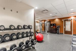 The fitness centre and/or fitness facilities at Hampton Inn Manhattan Grand Central