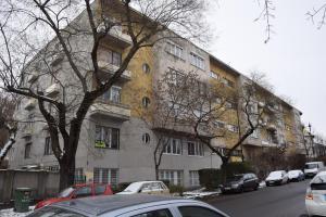 Bleak House - Bauhaus home in the heart of Budapest v zimě