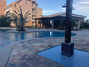 The swimming pool at or close to Breezes do Cumbuco apartamento