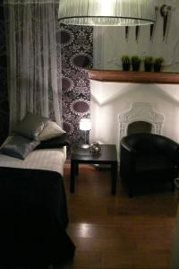 A seating area at Hotel Matuchi