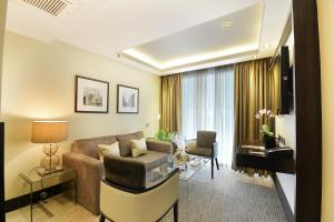 A seating area at The Montcalm Marble Arch