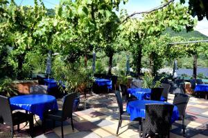 Een restaurant of ander eetgelegenheid bij Mosel Weinhotel Steffensberg