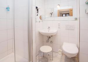 A bathroom at Dedlerhaus