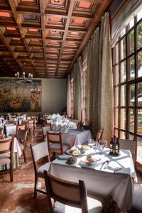 A restaurant or other place to eat at Parador de Tordesillas
