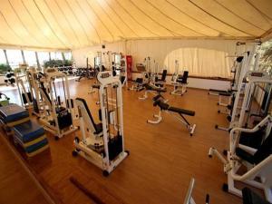 Фітнес-центр і / або тренажери в Coral Bay Prestige Apartment