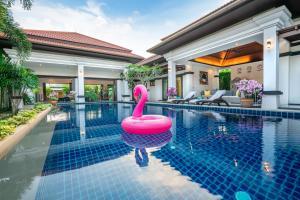 Бассейн в Jewels Villas Phuket или поблизости