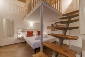 Letto o letti in una camera di Testaccio Cozy Apartment with Terrace