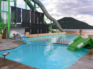 Bazén v ubytování Rekreační středisko Elite nebo v jeho okolí