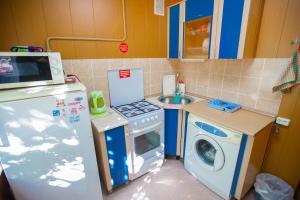 Кухня или мини-кухня в Квартира на Мира, 14-36