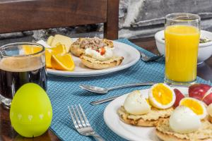 Breakfast options available to guests at Hotel Chateau Bellevue
