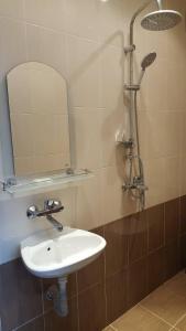 Ванная комната в Guest House Chinar 08