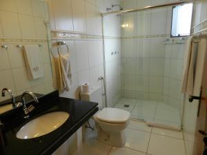A bathroom at Terraço Hotel