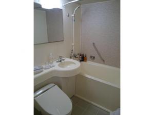A bathroom at Hotel Sunroute Asakusa