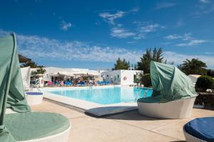 Het zwembad bij of vlak bij Sandos Atlantic Gardens
