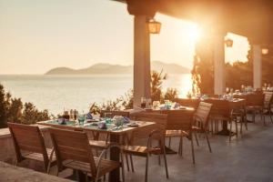 A restaurant or other place to eat at Sun Gardens Dubrovnik