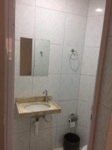A bathroom at Hotel Mundial