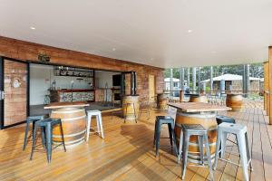 A restaurant or other place to eat at Ingenia Holidays Ulladulla