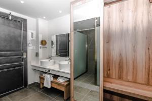 A bathroom at Exotica Hotel & Spa by Zante Plaza