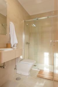 """A bathroom at Albergue """"La Yalga"""""""