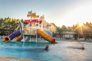 Parque aquático no hotel ou nos arredores