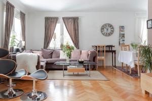 Area soggiorno di Landvetter BnB