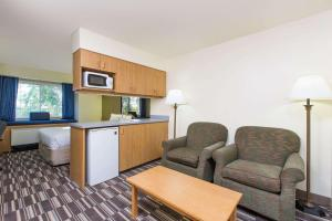 A seating area at Microtel Inn & Suites Anchorage