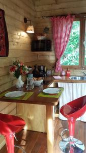 Restaurant ou autre lieu de restauration dans l'établissement Les Terrasses de Niagara