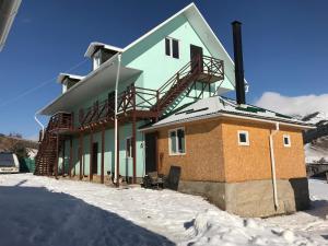 Alakol-Jyrgalan Guest House during the winter